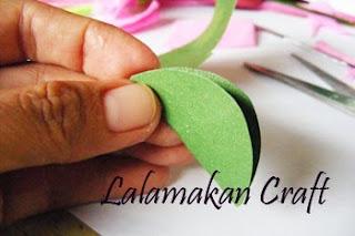 Membuat Kerajinan Tangan Bunga Mawar Dari Kertas Jagung Kasini24